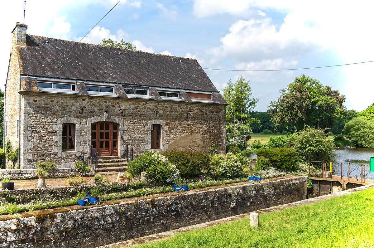 Ancienne maison éclusière restaurée