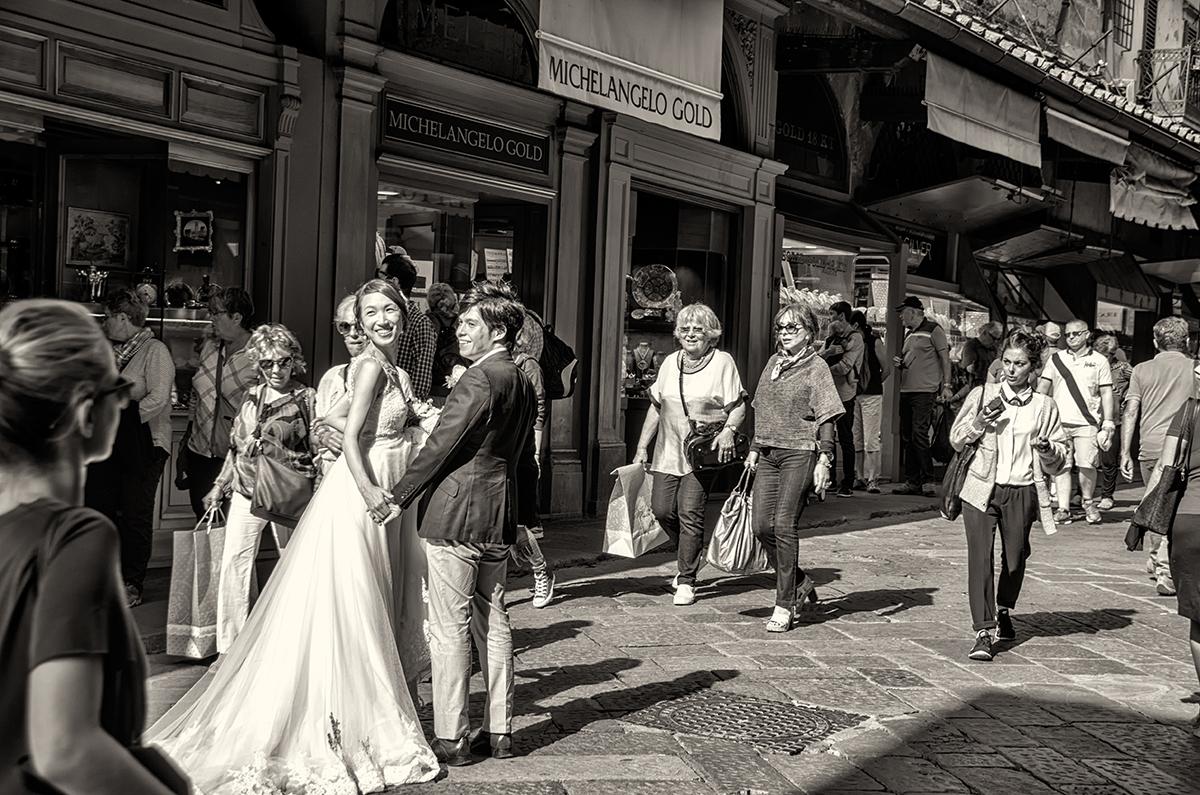 Duex mariés sur le Ponte Viecchio