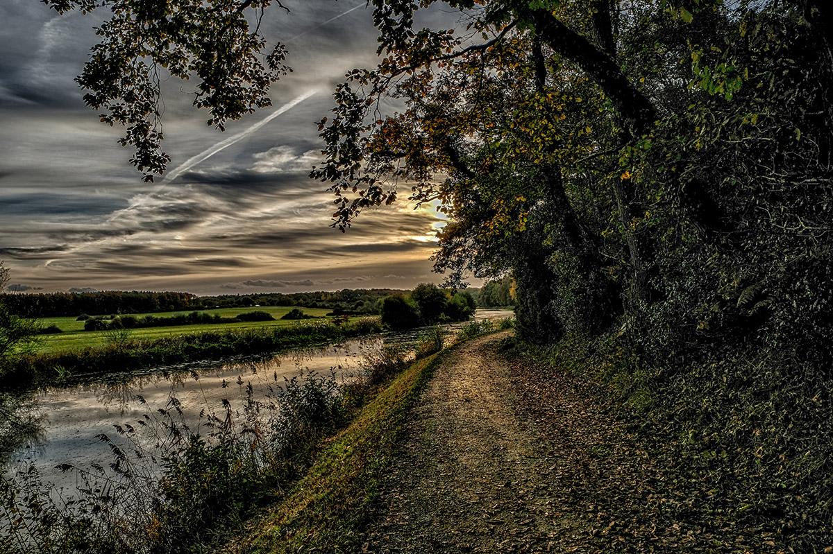 Le Canal de Nantes à Brest près du domaine de Carheil