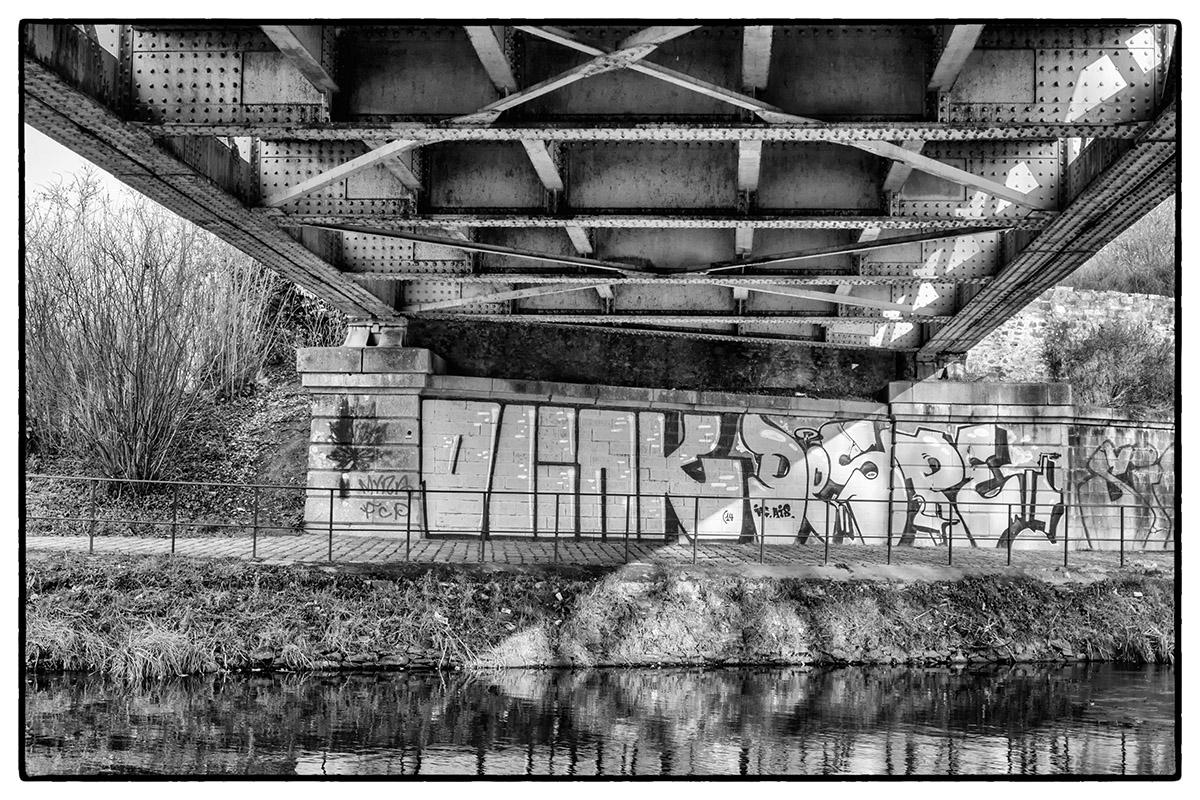 Le pont de chemin de fer