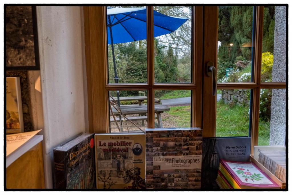 """Café-librairie """"l'autre Rive"""""""